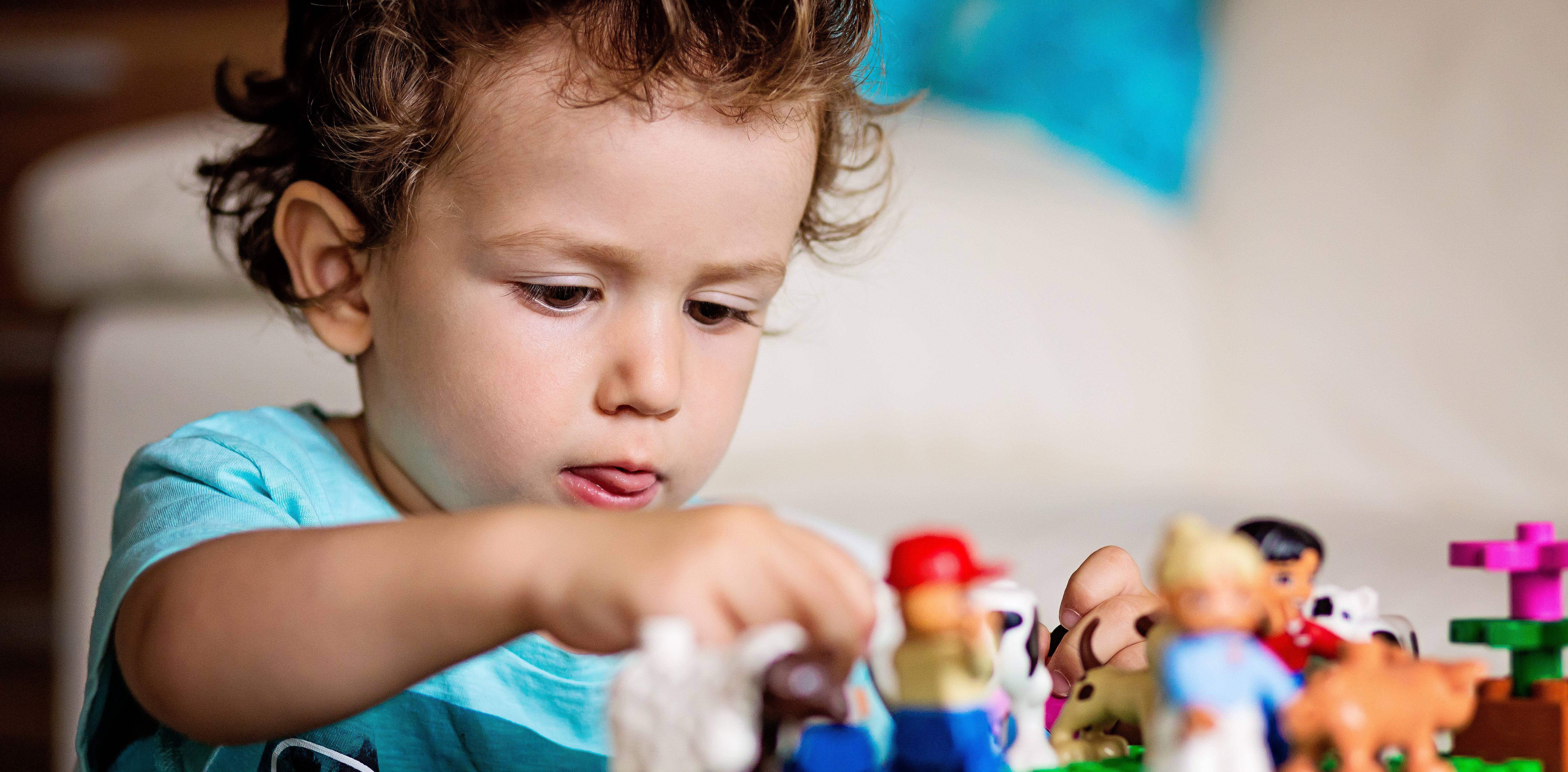 how to become a play therapist for children
